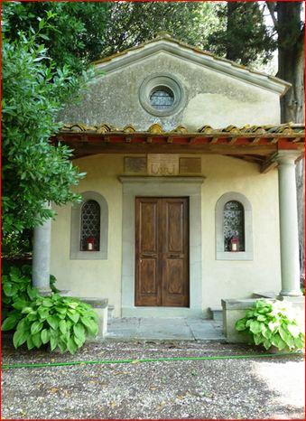 Villa Pepi la chiesa