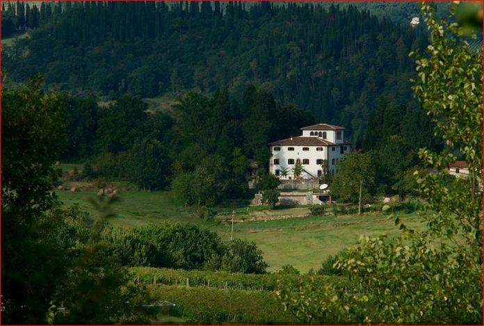 Villa Pepi nel paesaggio